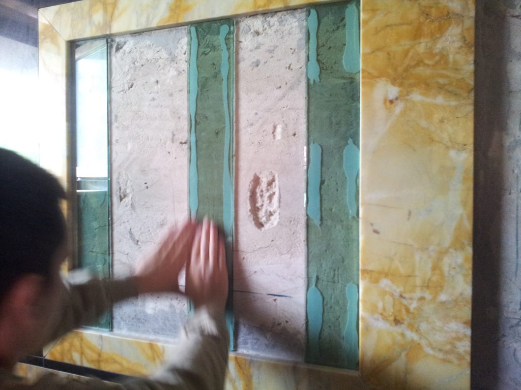 Príprava plochy pre zrkadlo a)